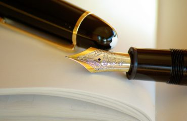 plamy z długopisu