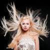 kiedy włosy się elektryzują